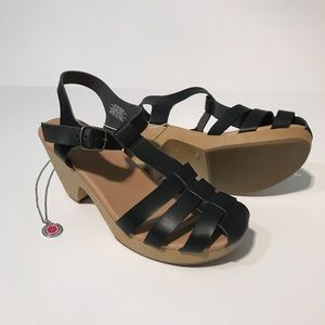 OLD NAVY NWT Women's Heeled Clogs Black Size 7